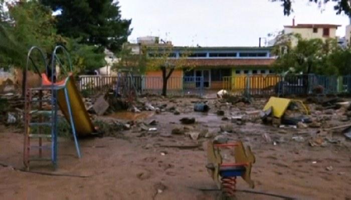Грециядағы суў тасқыны қурбанларының саны артты